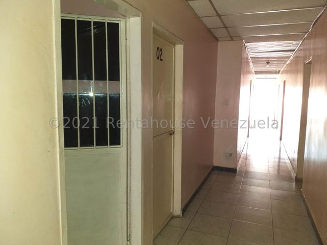 Casa Falcon>Coro>Sector Bobare - Venta:50.000 Precio Referencial - codigo: 21-26351