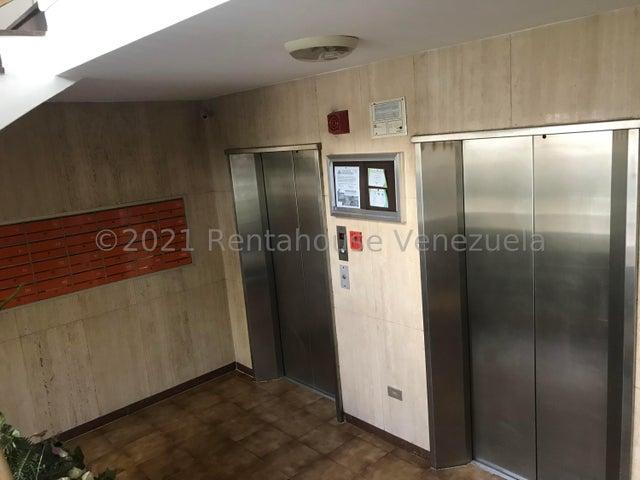 Apartamento Distrito Metropolitano>Caracas>Terrazas del Avila - Venta:75.000 Precio Referencial - codigo: 21-26380