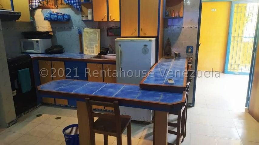 Apartamento Miranda>Higuerote>Club Campestre El Paraiso - Venta:6.900 Precio Referencial - codigo: 21-26456