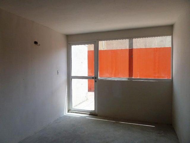 Apartamento Miranda>Guarenas>La Vaquera - Venta:19.000 Precio Referencial - codigo: 21-26477