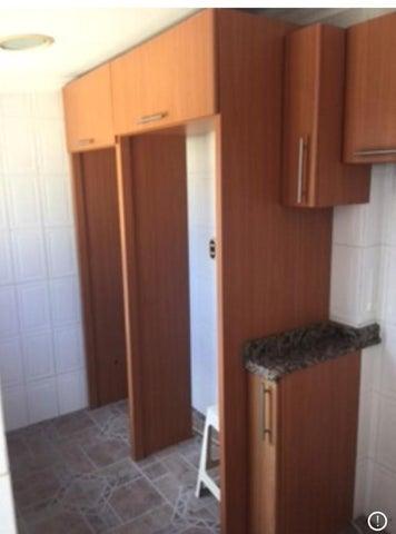 Apartamento Vargas>Catia La Mar>Playa Grande - Venta:79.000 Precio Referencial - codigo: 21-26503