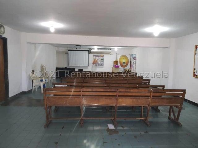 Local Comercial Vargas>La Guaira>Macuto - Venta:45.000 Precio Referencial - codigo: 21-26766