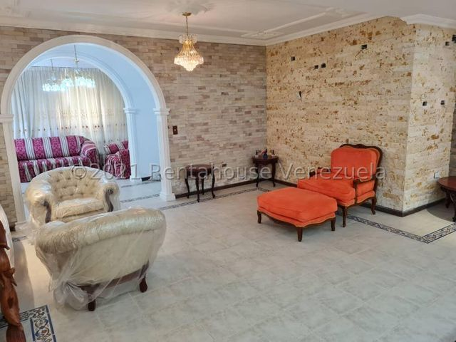 Casa Miranda>Municipio Los Salias>Mirador Panamericano - Venta:450.000 Precio Referencial - codigo: 21-26710