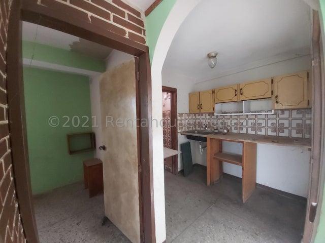 Casa Lara>Cabudare>La Hacienda - Venta:48.000 Precio Referencial - codigo: 21-27117