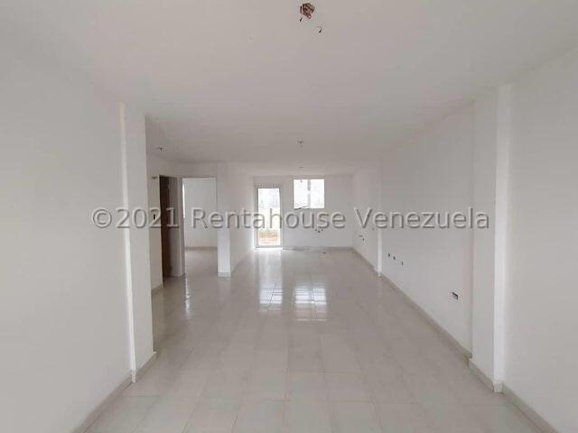 Casa Lara>Cabudare>Parroquia Jose Gregorio - Venta:18.000 Precio Referencial - codigo: 21-26808