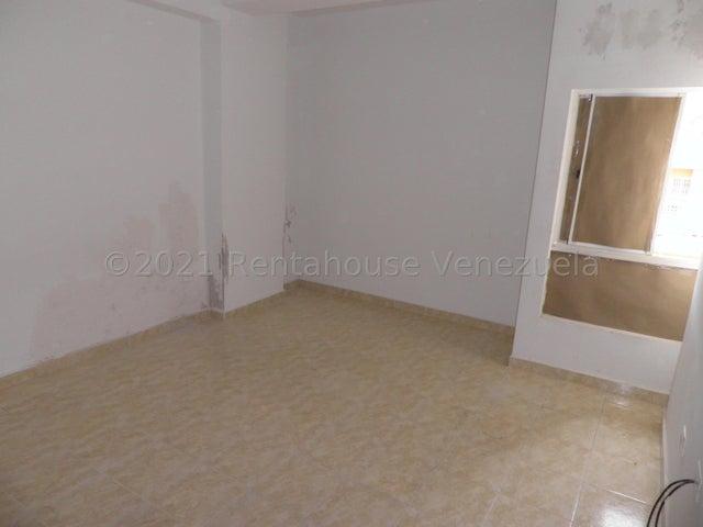 Apartamento Carabobo>Municipio Naguanagua>El Rincon - Venta:16.000 Precio Referencial - codigo: 21-27224