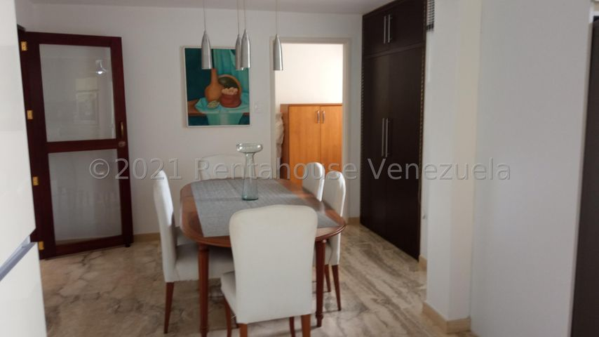Casa Distrito Metropolitano>Caracas>La Lagunita Country Club - Venta:650.000 Precio Referencial - codigo: 21-26798