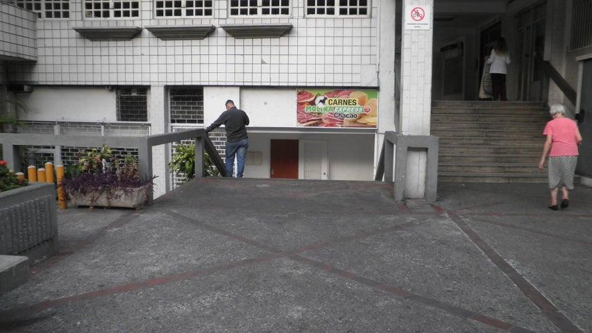 Local Comercial Distrito Metropolitano>Caracas>Chacao - Alquiler:1.200 Precio Referencial - codigo: 21-27613