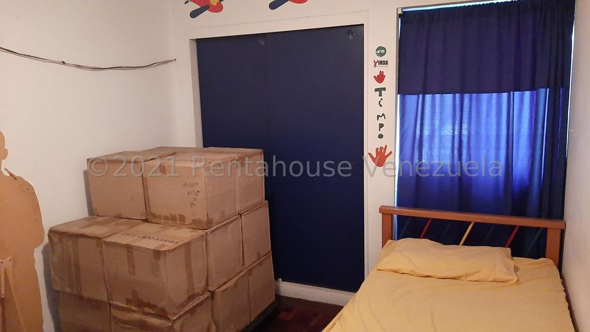 Apartamento Distrito Metropolitano>Caracas>Colinas de La California - Venta:69.000 Precio Referencial - codigo: 21-27289