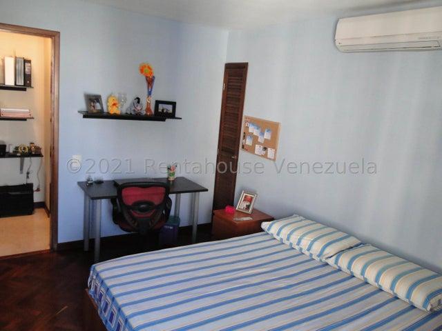 Apartamento Distrito Metropolitano>Caracas>Los Dos Caminos - Venta:110.000 Precio Referencial - codigo: 21-27288