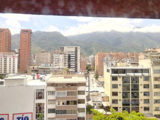 Oficina Distrito Metropolitano>Caracas>Sabana Grande - Alquiler:270 Precio Referencial - codigo: 21-27317