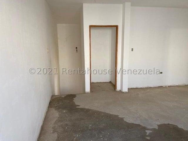 Townhouse Zulia>Ciudad Ojeda>La 'L' - Venta:24.000 Precio Referencial - codigo: 21-27325