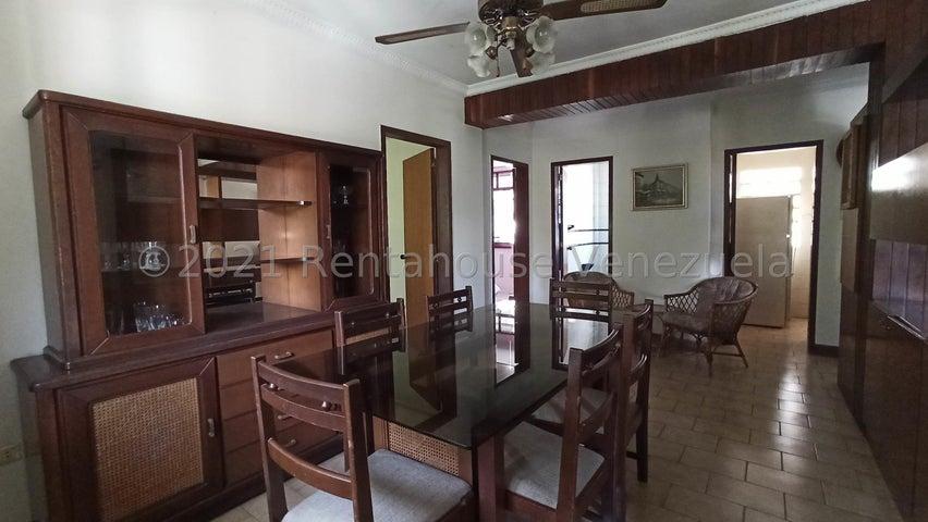 Apartamento Distrito Metropolitano>Caracas>Los Chaguaramos - Venta:38.000 Precio Referencial - codigo: 21-27355