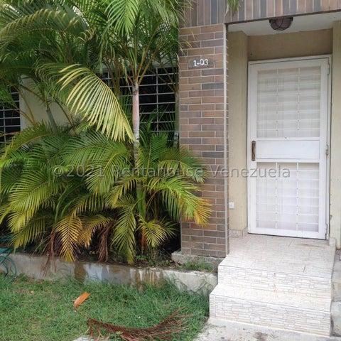 Townhouse Lara>Cabudare>Caminos de Tarabana - Venta:32.000 Precio Referencial - codigo: 21-27367