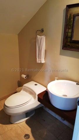 Casa Distrito Metropolitano>Caracas>Alto Hatillo - Venta:490.000 Precio Referencial - codigo: 21-27628