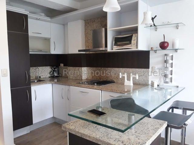 Apartamento Lara>Cabudare>Centro - Venta:15.500 Precio Referencial - codigo: 21-27593