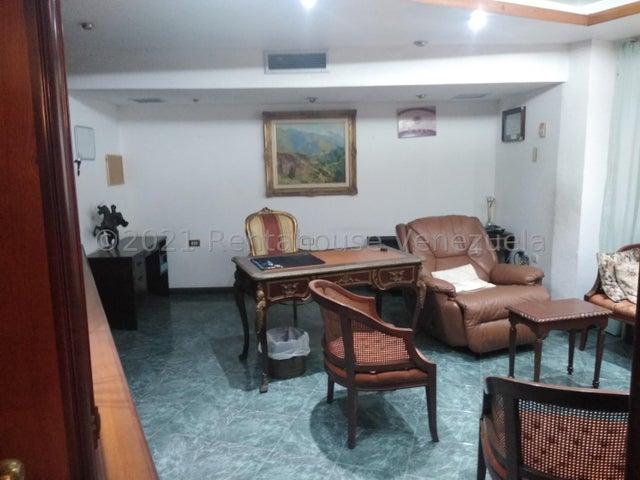 Casa Distrito Metropolitano>Caracas>Macaracuay - Venta:130.000 Precio Referencial - codigo: 21-27445