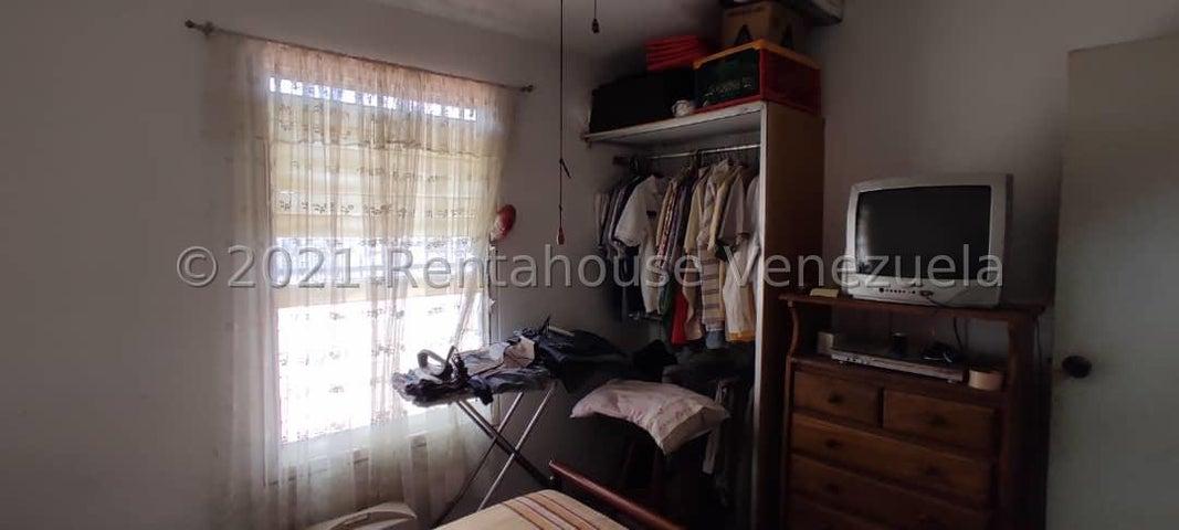 Casa Lara>Cabudare>Piedra Azul - Venta:10.500 Precio Referencial - codigo: 21-27436