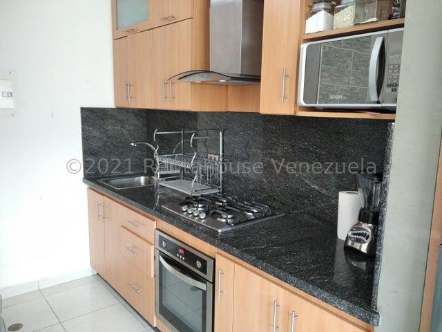 Apartamento Carabobo>Municipio San Diego>El Polvero - Venta:15.500 Precio Referencial - codigo: 21-27555