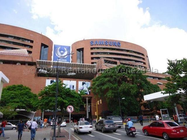Local Comercial Distrito Metropolitano>Caracas>La Castellana - Venta:70.000 Precio Referencial - codigo: 21-27556