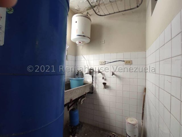 Apartamento Lara>Cabudare>Parroquia Cabudare - Venta:9.500 Precio Referencial - codigo: 21-27566