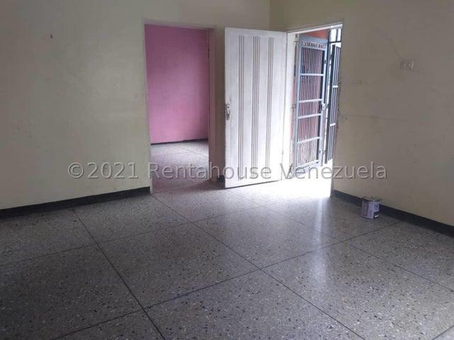 Casa Lara>Barquisimeto>Centro - Alquiler:250 Precio Referencial - codigo: 21-26767