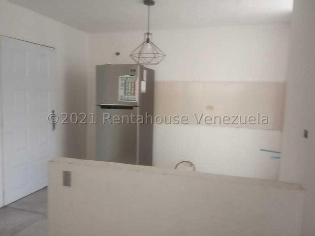 Apartamento Miranda>Los Teques>El Solar de la Quinta - Venta:14.000 Precio Referencial - codigo: 21-27595