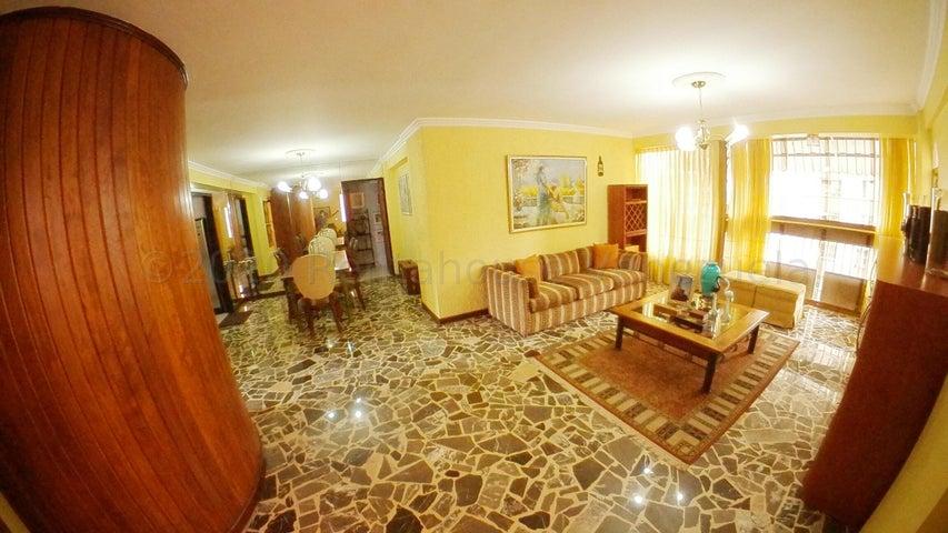 Apartamento Distrito Metropolitano>Caracas>El Paraiso - Venta:55.000 Precio Referencial - codigo: 21-27602