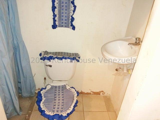 Galpon - Deposito Zulia>Maracaibo>Los Haticos - Venta:12.000 Precio Referencial - codigo: 21-27605