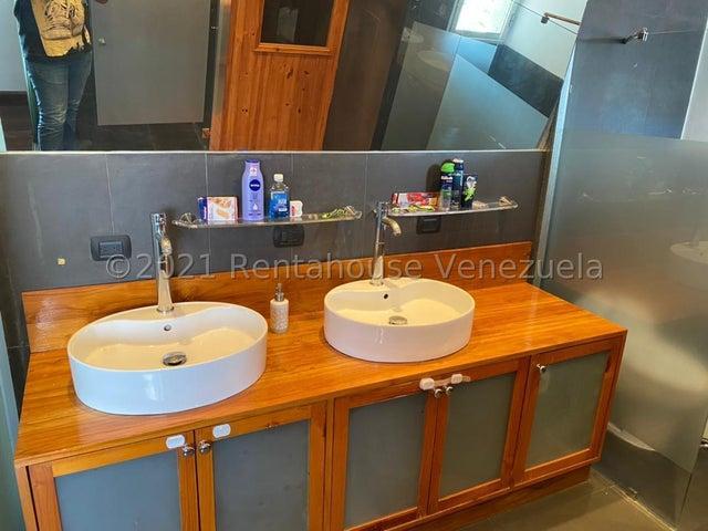 Apartamento Distrito Metropolitano>Caracas>Los Palos Grandes - Venta:175.000 Precio Referencial - codigo: 21-27618