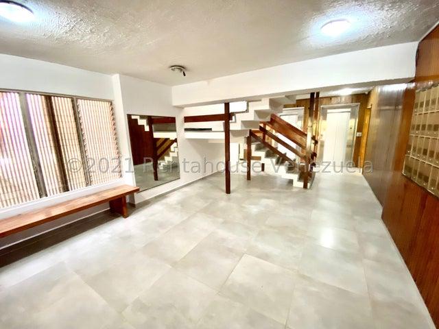 Apartamento Distrito Metropolitano>Caracas>La Urbina - Venta:50.000 Precio Referencial - codigo: 21-27626