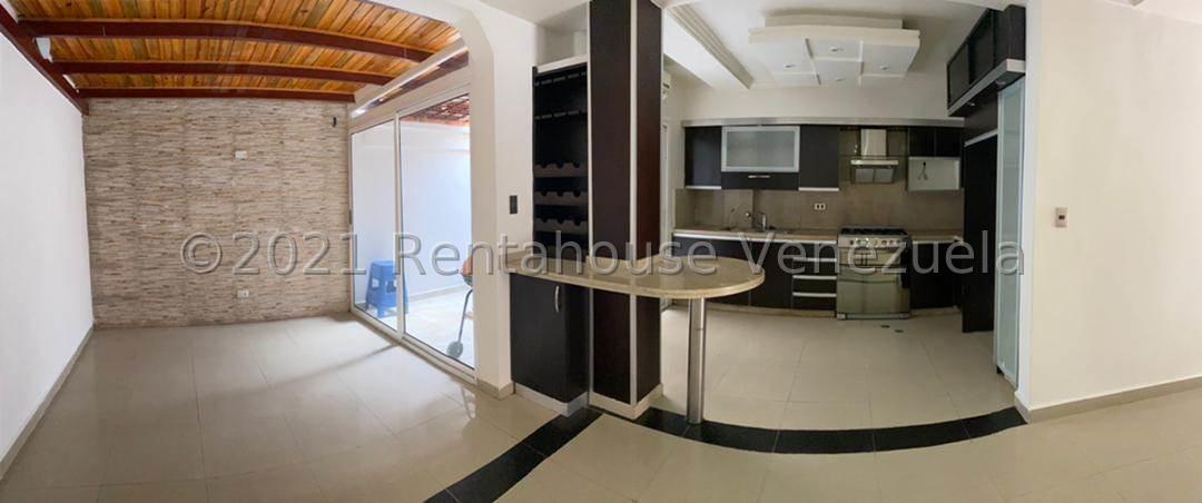 Townhouse Carabobo>Municipio San Diego>Villa Jardin - Venta:45.000 Precio Referencial - codigo: 21-27629