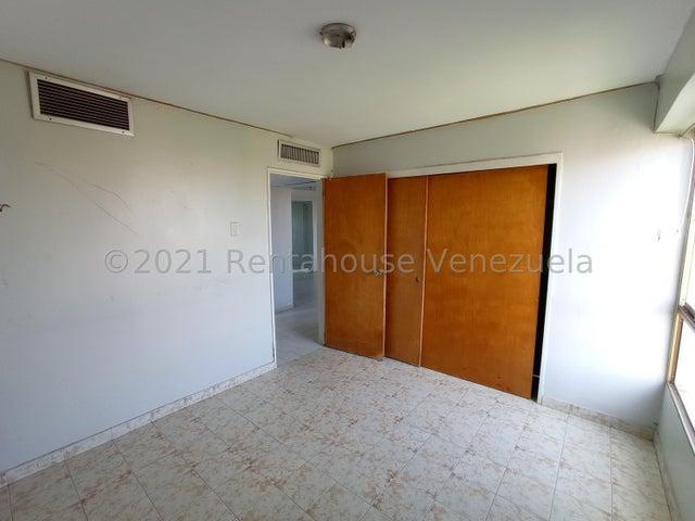 Apartamento Lara>Barquisimeto>Zona Este - Alquiler:250 Precio Referencial - codigo: 21-27624