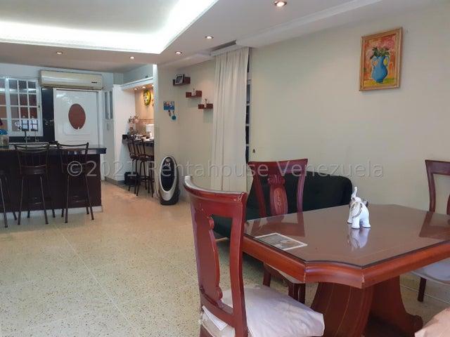 Townhouse Zulia>Maracaibo>Amparo - Venta:37.000 Precio Referencial - codigo: 21-27625
