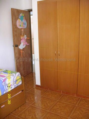 Apartamento Distrito Metropolitano>Caracas>Parroquia San Jose - Venta:41.000 Precio Referencial - codigo: 21-27631