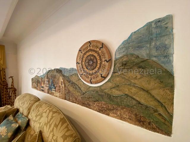 Casa Distrito Metropolitano>Caracas>Cumbres de Curumo - Venta:320.000 Precio Referencial - codigo: 21-27636