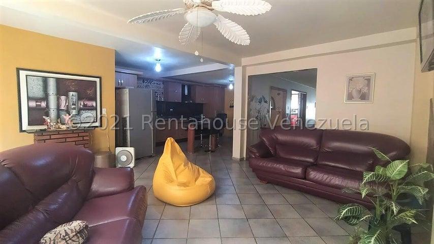 Casa Carabobo>Municipio San Diego>La Esmeralda - Venta:40.000 Precio Referencial - codigo: 21-27645
