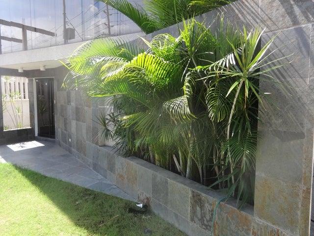 Edificio Zulia>Maracaibo>Las Delicias - Alquiler:1.300 Precio Referencial - codigo: 21-27643