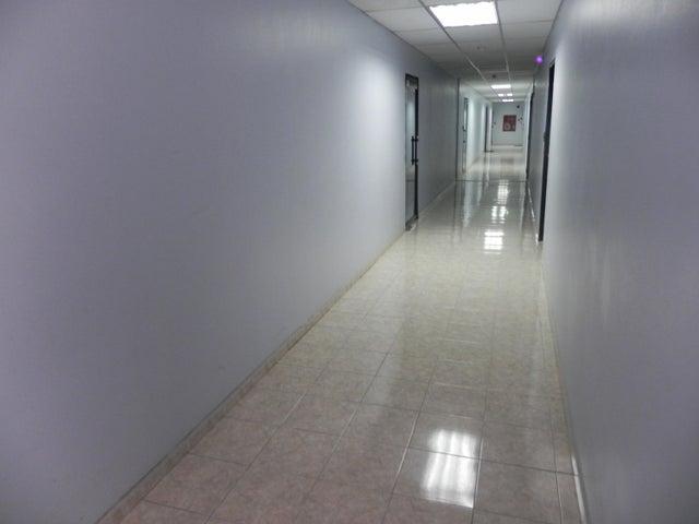 Oficina Distrito Metropolitano>Caracas>Los Samanes - Venta:65.000 Precio Referencial - codigo: 21-27656