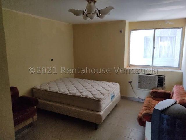 Apartamento Zulia>Ciudad Ojeda>Centro - Venta:15.000 Precio Referencial - codigo: 21-27658
