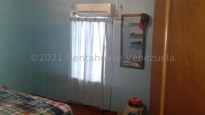 Apartamento Lara>Barquisimeto>Del Este - Venta:27.000 Precio Referencial - codigo: 21-27833