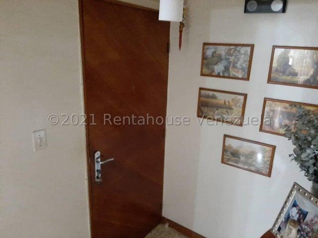 Apartamento Distrito Metropolitano>Caracas>Chacao - Venta:75.000 Precio Referencial - codigo: 21-28172