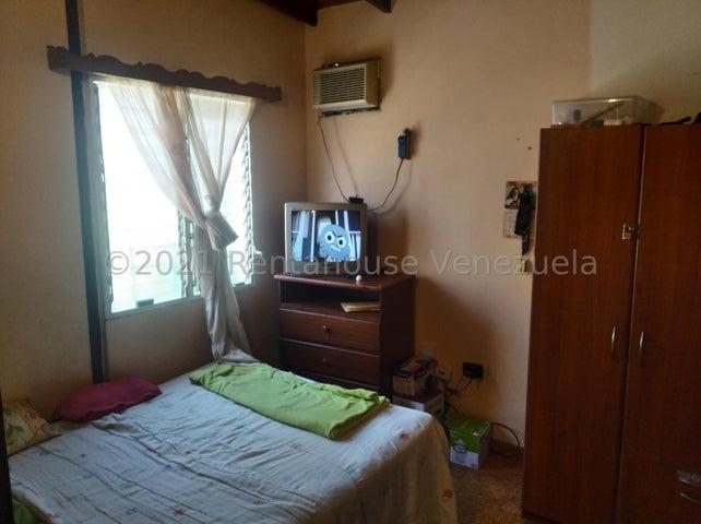 Casa Lara>Cabudare>Parroquia Cabudare - Venta:22.000 Precio Referencial - codigo: 21-28088