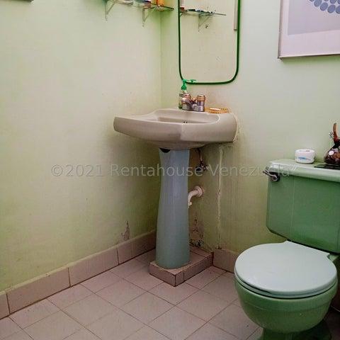 Apartamento Distrito Metropolitano>Caracas>Colinas de Bello Monte - Venta:24.000 Precio Referencial - codigo: 22-251