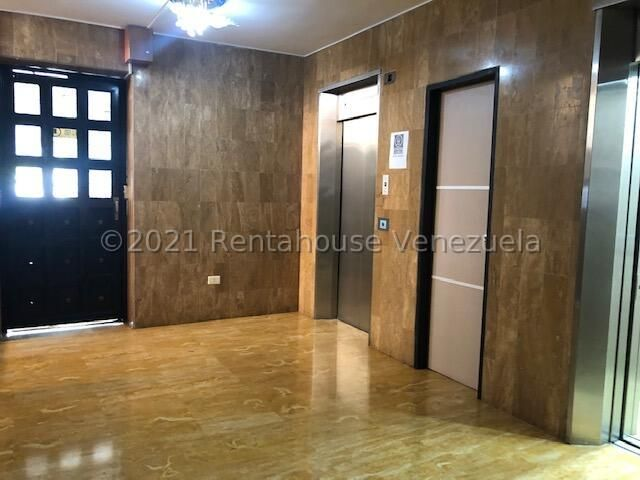 Apartamento Carabobo>Valencia>Las Chimeneas - Venta:105.000 Precio Referencial - codigo: 22-436