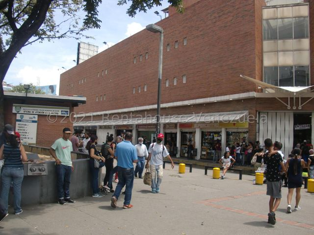Local Comercial Distrito Metropolitano>Caracas>Petare - Venta:28.000 Precio Referencial - codigo: 22-458