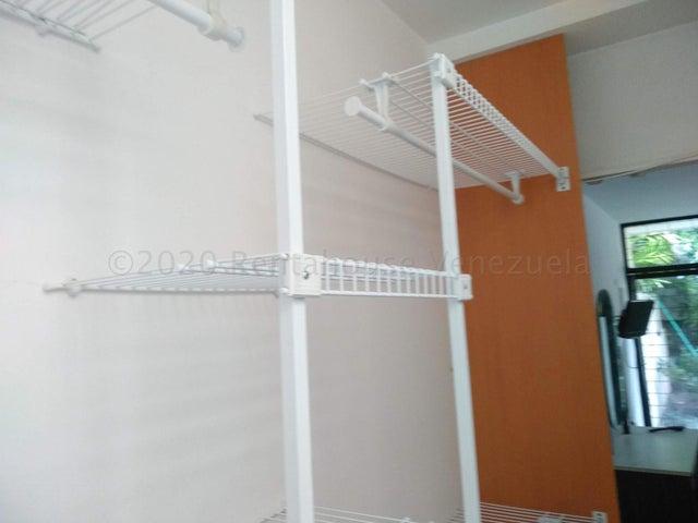 Anexo Distrito Metropolitano>Caracas>La Boyera - Alquiler:290 Precio Referencial - codigo: 22-987
