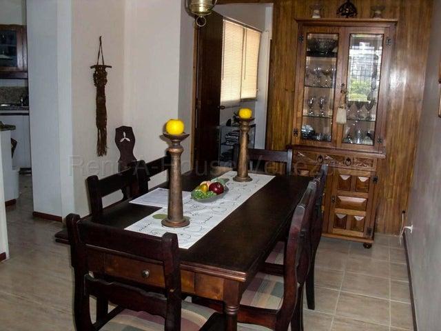 Apartamento Distrito Metropolitano>Caracas>Colinas de Bello Monte - Venta:120.000 Precio Referencial - codigo: 22-1244