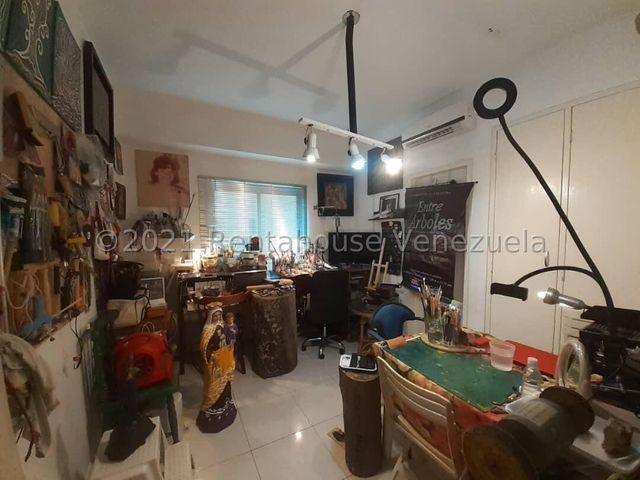 Apartamento Carabobo>Valencia>Las Chimeneas - Venta:80.000 Precio Referencial - codigo: 21-26094