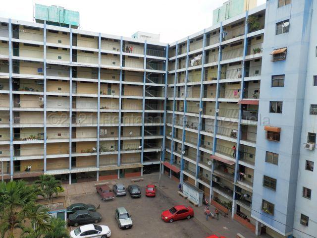 Apartamento Lara>Barquisimeto>Avenida Libertador - Venta:10.000 Precio Referencial - codigo: 22-1701